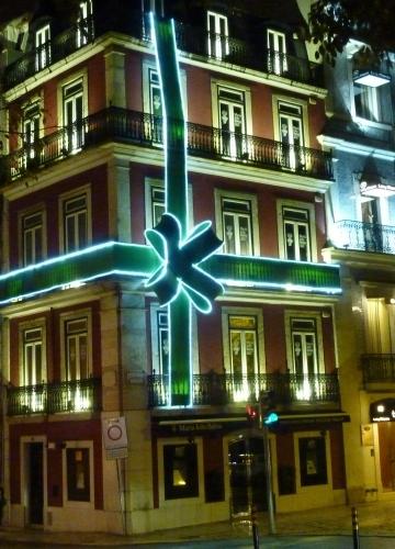 Lisbonne,saint sylvestre,blog littéraire de christian cottet-emard,fêtes,occident,lumières,ville,christian cottet-emard,joie