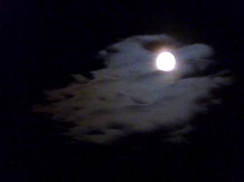 interlude,nuit,nuage,lune,ciel nocturne,blog littéraire de christian cottet-emard,photo,image