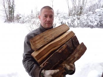neige,je craque,climat pourri,météo,déprime d'hiver,blog littéraire de christian cottet-emard,bois,bûches,humour,photo