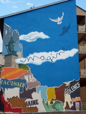 oyonnax,ain,rhône-alpes,france,fresques murales,urbanisme,décoration,goût douteux,gnangnan,peinturlure,kitsch,vulgarité,blog littéraire de christian cottet-emard
